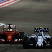 Valtteri Bottas por delante de Sebastian Vettel - LaF1.es