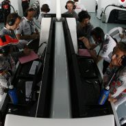 Interior del box de McLaren durante los libres del GP de Corea - LaF1