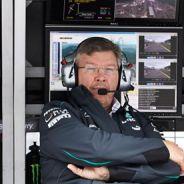 PIt wall de Mercedes con Ross Brawn a la cabeza - LaF1