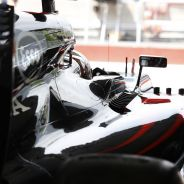 Jenson Button en su box - LaF1.es