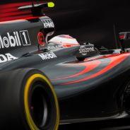 Button, durante la carrera en México - LaF1