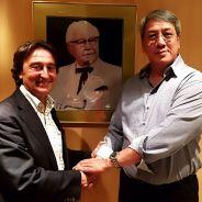 Adrián Campos junto al principal accionista en Indonesia de KFC, Jagonya Ayam - LaF1
