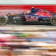 Carlos Sainz Jr. con el STR10 en Albert Park - LaF1.es