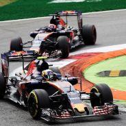 Carlos Sainz en los primeros compases de la carrera en Monza - LaF1