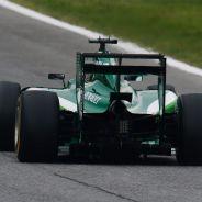 Los rumores de que Tony Fernandes podría desvincularse de la F1 ponen en un serio aprieto a Caterham - LaF1