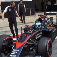 Fernando Alonso durante los test de Austria - LaF1