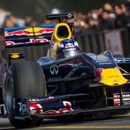 Daniel Ricciardo en un acto promocional de Red Bull, en 2011 - LaF1