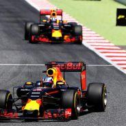 Ricciardo debería recibir el nuevo motor antes que Verstappen - LaF1