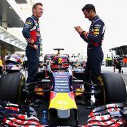 Daniil Kvyat y Daniel Ricciardo en Abu Dabi 2015 - LaF1