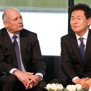 Ron Dennis y Arai-San durante la presentación de McLaren - LaF1