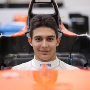 Esteban Ocon preparando su asiento con Manor - LaF1