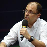 Fabrice Lom durante la conferencia técnica de la FIA - LaF1