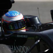 Fernando Alonso tiene la puerta de Mercedes abierta - LaF1