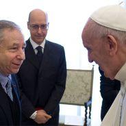 Momento del saludo entre Jean Todt y el Papa Francisco - LaF1