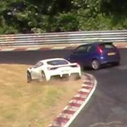 Un Ford Fiesta ST causa el caos en Nürburgring