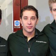 Robin Frijns entre los pilotos oficiales de Caterham, Kamui Kobayashi y Marcus Ericsson - LaF1