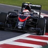 Button es el único piloto nombrado por McLaren en su renovación con el Banco Santander - LaF1