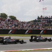 Los dos McLaren en Silverstone - LaF1.es
