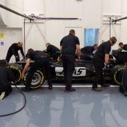 Los mecánicos del equipo Haas ya ensayan pit stops en factoría - LaF1