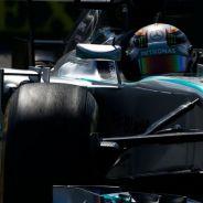 Lewis Hamilton a los mandos de su Mercedes W05, el coche más dominante de 2014 - LaF1
