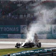 Hamilton terminó desolado al ver su motor en llamas - LaF1