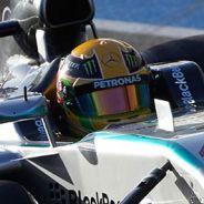 Niki Lauda asegura que Mercedes tiene ventaja