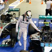 Hamilton felicitó a Rosberg al término de la carrera - LaF1