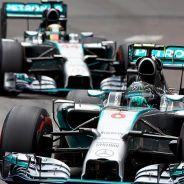Lewis Hamilton y Nico Rosberg en Mónaco 2014 - LaF1