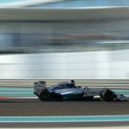 Hamilton vence por la mínima a Rosberg; Alonso se queda tirado