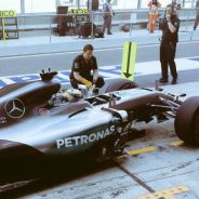 Hamilton da el primer golpe a Rosberg; y Red Bull se acerca