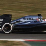El McLaren-Honda rodando en Barcelona - LaF1.es