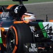 Mercedes sigue a lo suyo y Renault no escapa a los problemas