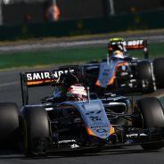 Hülkenberg por delante de Pérez en Australia, donde Force India consiguió sus primeros y únicos puntos - LaF1