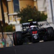 McLaren se tomará con tiempo su decisión sobre el compañero de Alonso en 2017 - LaF1