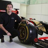 Palmer posa como piloto de Lotus - LaF1.es