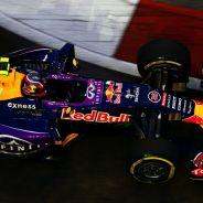 Contra pronóstico, Daniil Kvyat acabó liderando la primera jornada de libres en Singapur - LaF1