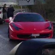 Captura del momento en el que el Ferrari 458 Spider de Neymar quedó en dirección contraria - SoyMotor