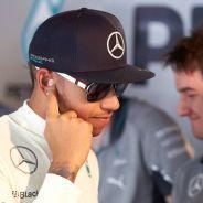 Lewis Hamilton, serio durante el Gran Premio de Mónaco - LaF1