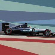 Hamilton no está preocupado por la distancia con Rosberg - LaF1
