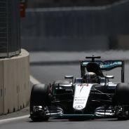 Hamilton tendrá que remontar posiciones - LaF1