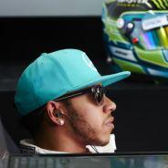 Lewis Hamilton en su box en Malasia - LaF1.es
