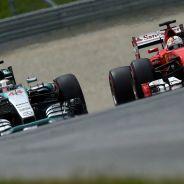 Mercedes vs Ferrari, la batalla que todos esperan para 2016 se empieza a calentar - LaF1