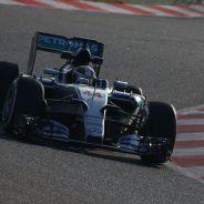 Lewis Hamilton en pista con el W06 Hybrid - LaF1.es