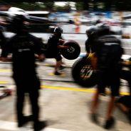 Mecánicos del equipo Lotus en el pasado Gran Premio de Italia - LaF1