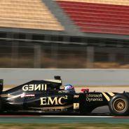 Joylon Palmer rodando con el E23 en Montmeló - Laf1.es