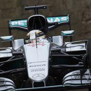 Lewis Hamilton comanda los Libres 3 en Bakú - LaF1