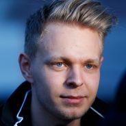 Kevin Magnussen atendiendo a los medios - LaF1