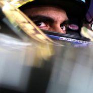 Pastor Maldonado subido en el Lotus E23 en Baréin - LaF1