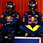 Mecánicos de Red Bull en el Circuit de Barcelona-Catalunya - LaF1