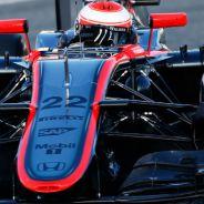 McLaren prueba dos alerones distintos; Force India se estrena